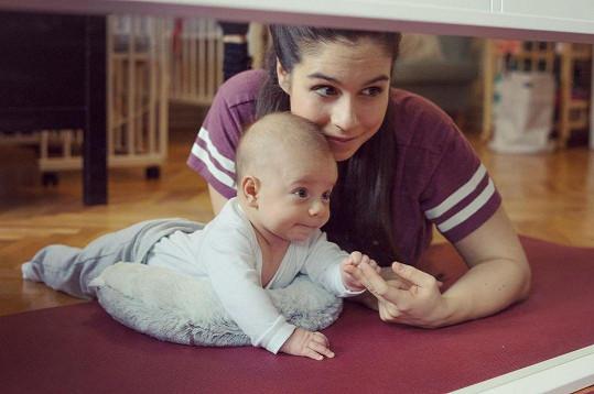 Tříměsíční syn Mikoláš je teď pro ni celý vesmír.
