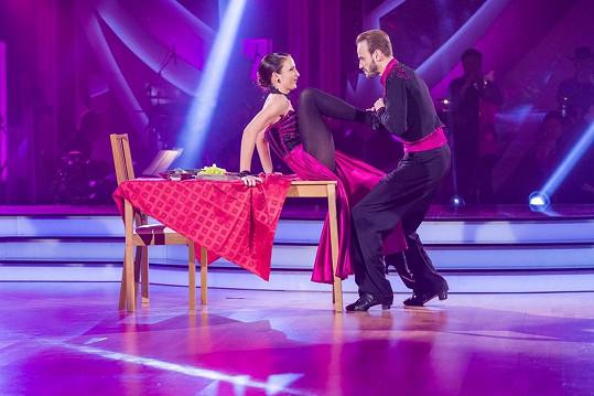 Do tance paso doble zapojili dramatickou scénku o domácím násilí.