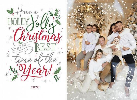 Jednu z fotek používá rodinka jako přání všeho nejlepšího do roku 2021.