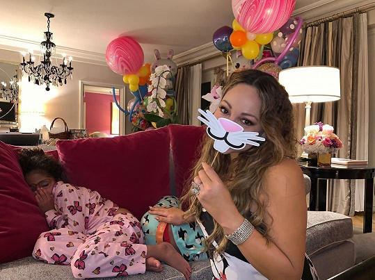 Mariah Carey jako velikonoční ramlice