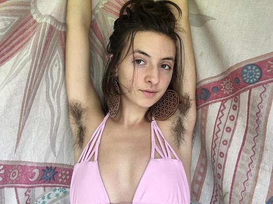 Macey Duff se přestala holit.