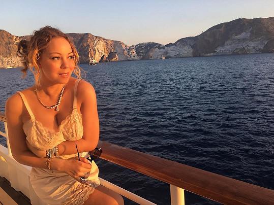 Mariah Carey v negližé