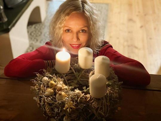 Richard a Karin Krajčovi také zapálili první adventní svíci.