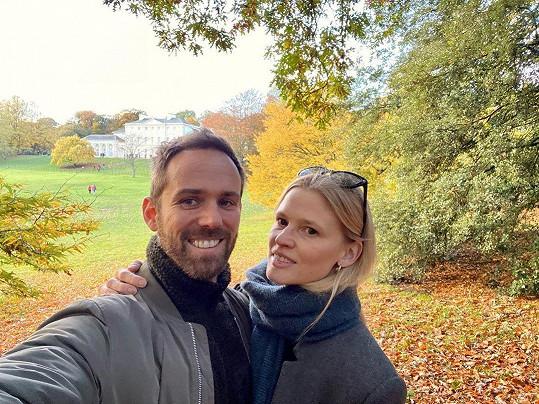 Lara Stone se v sobotu 17. července vdala za podnikatele Davida Grievsona.