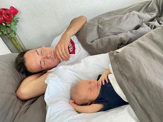 Petr Suchoň a jeho roztomilé foto se synem.