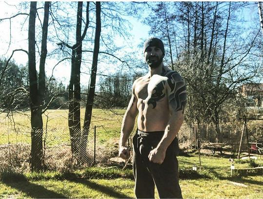 Vašek Noid Bárta je prototypem muže, který se ničeho nezalekne.