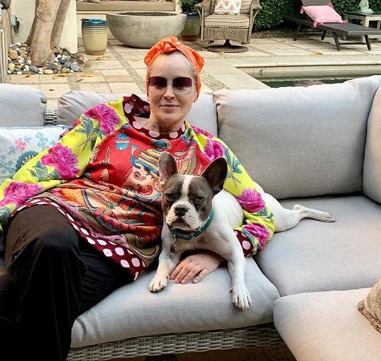 Je také majitelkou dalšího psíka Bandita.
