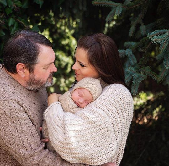 Ornella Koktová s manželem Pepou a synem Svenem