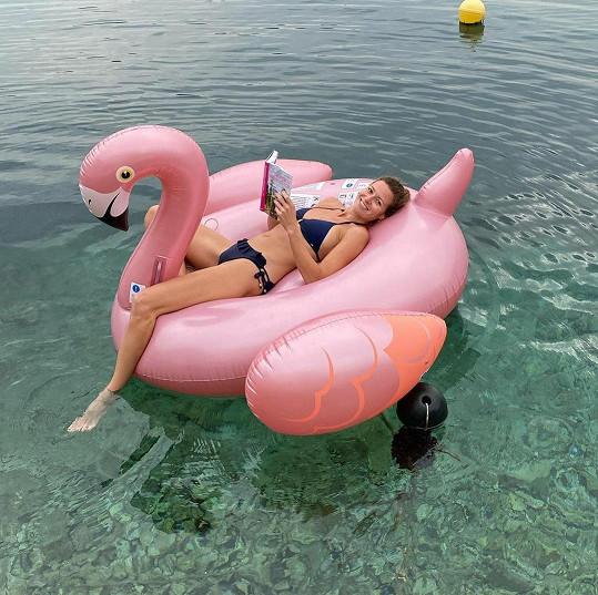 Poslední letní dny jela trávit k moři.