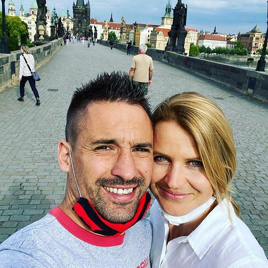 Tomáš Plekanec a Lucie Šafářová tvoří krásný pár.