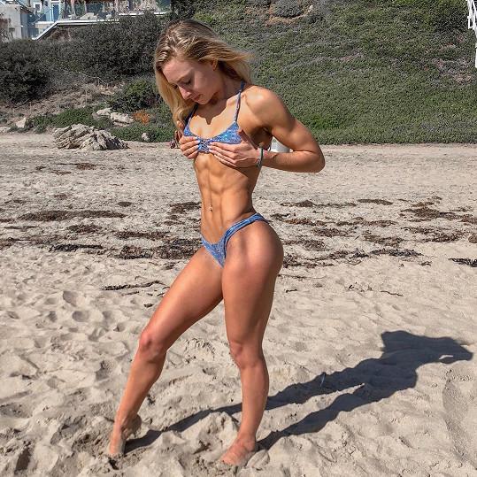 Na Instagramu Marissa sdílí videa z tréninků, tipy na jídla i výsledky, které jí cvičení v kombinaci se stravou přináší.