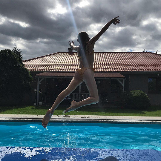 Ladná gymnastka
