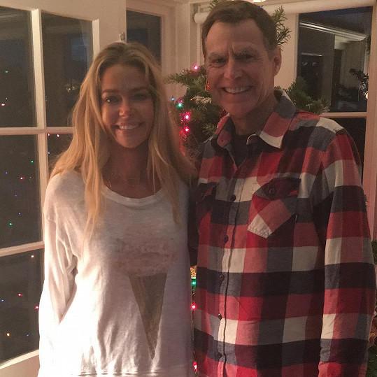 Denise Richards s tatínkem Irvingem