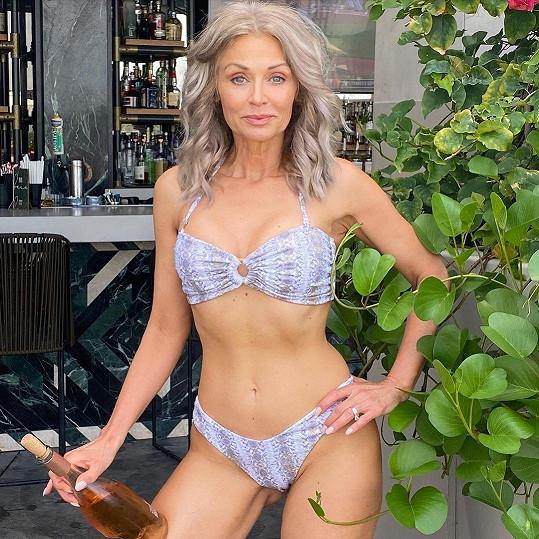 Kathy Jacobs je nejstarší modelkou Sports Illustrated.