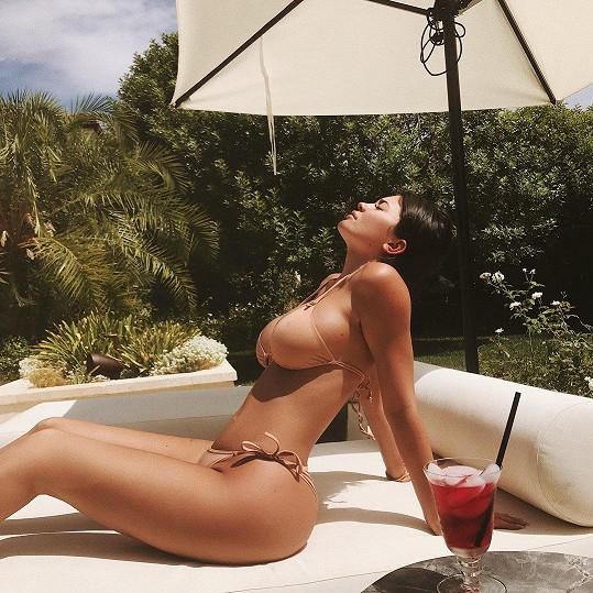 Kylie Jenner má být těhotná s přítelem Travisem Scottem.
