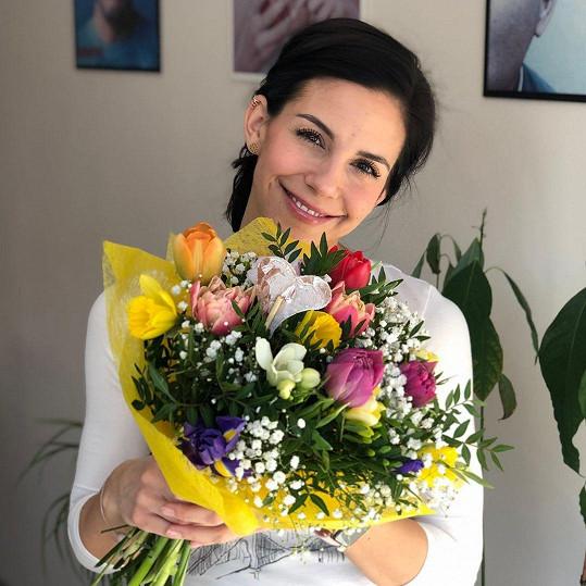 Vojta Bernatský má krásnou ženu.