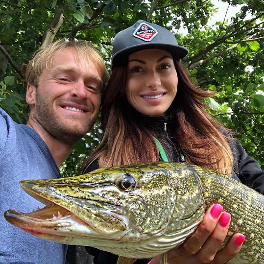 S bývalým přítelem Jakubem Vágnerem bude i letos v létě pořádat dětský rybářský tábor.
