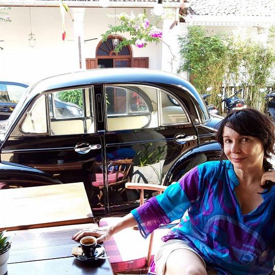 Přílet na Srí Lanku byl dramatický. Pak už si Nela ale užívala.