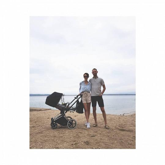 Gabriela Lašková s manželem Filipem a synem Benediktem poprvé u moře