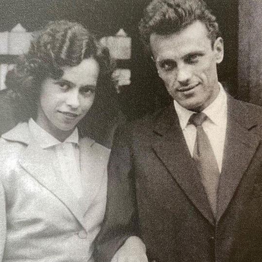 Svatební foto rodičů Lucie Bílé.