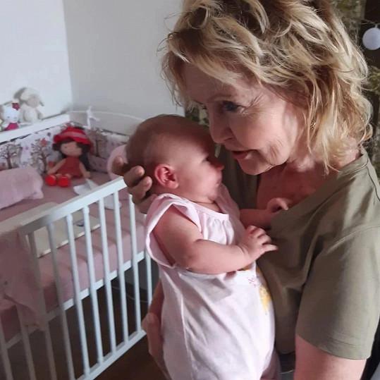 Na světě přivítala vnučku Alžbětku.