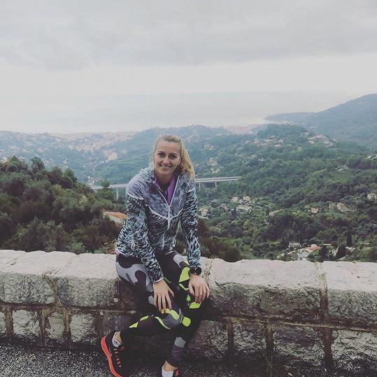 Petra Kvitová chodí běhat do terénu. Převýšení jí nedělá problém.