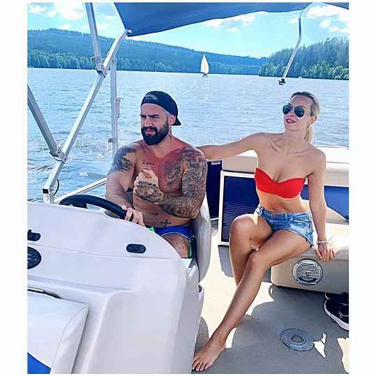 S partnerem Pepou si užili romantickou plavbu lodí.