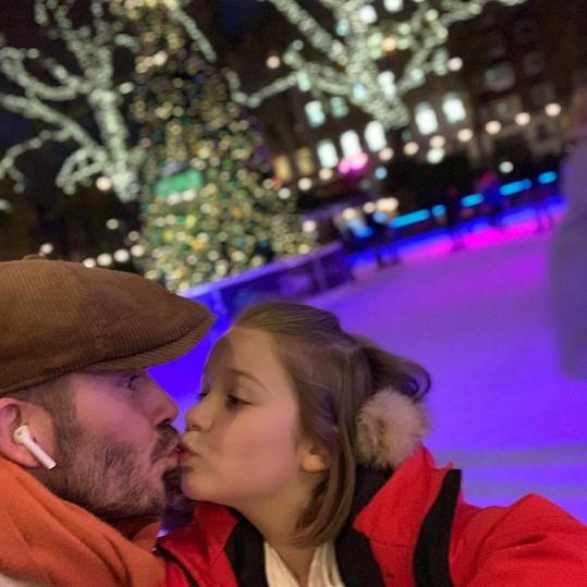 Tento snímek Beckhama s dcerou Harper pobouřil některé sledující.