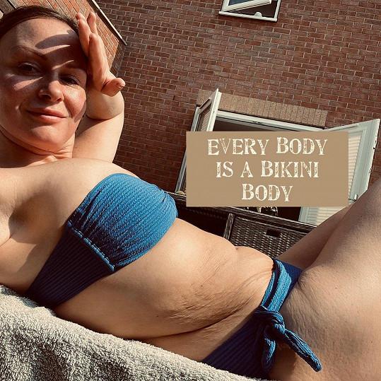 Chanelle Hayes se pochlubila snímky v bikinách.