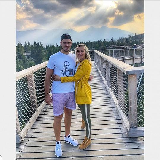 Nela Slováková už nějaký čas randí s hokejistou Lukášem Kozákem.