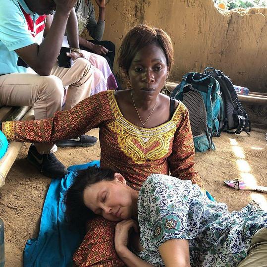 Všem bratrům a sestrám z Konga vyjádřila svůj nesmírný vděk za záchranu života.