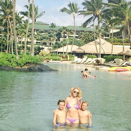 Britney Spears odjela se syny na Havaj.