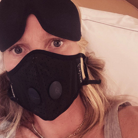 Gwyneth Paltrow panikařila na cestě na pařížský týden módy.