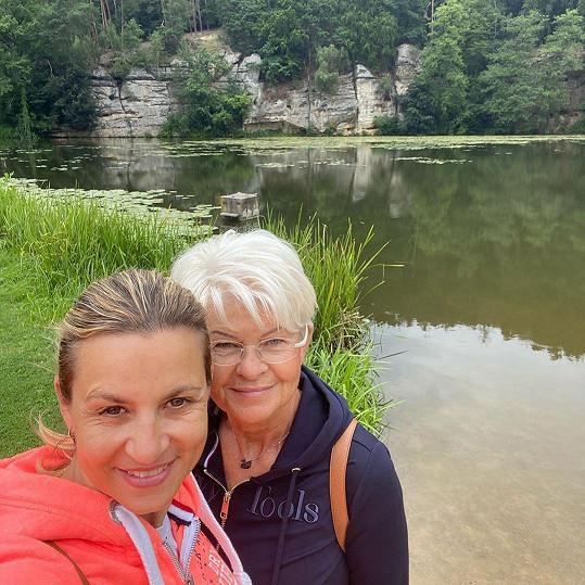 Monika Marešová s maminkou