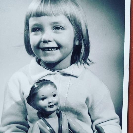 Při balení kufrů narazila na archivní fotografie a přemohla ji nostalgie.