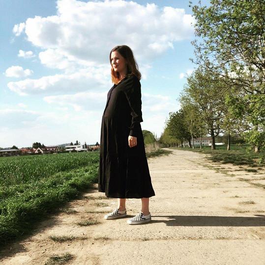 Zdravotní procházky nevynechává po celu dobu těhotenství.