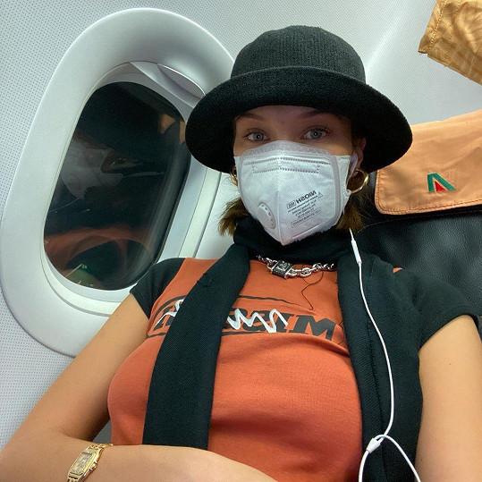 Bella Hadid prchala z Milána.