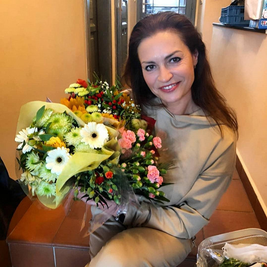 Hanka Kynychová oslavila narozeniny a pochlubila se krásnou kyticí od rodiny.