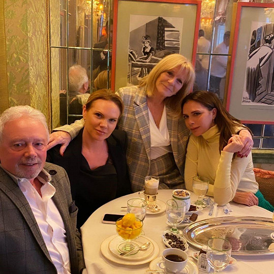 Victoria s rodiči a sestrou Louise