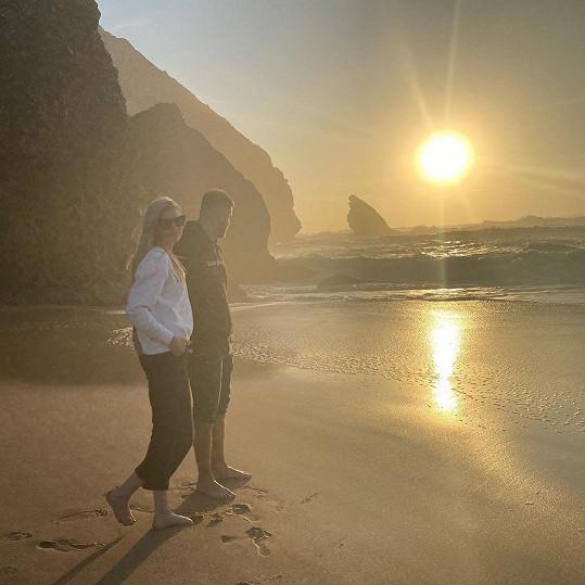 """""""To byl zas den jako korálek,"""" napsala si Nikol k fotce s novým přítelem."""