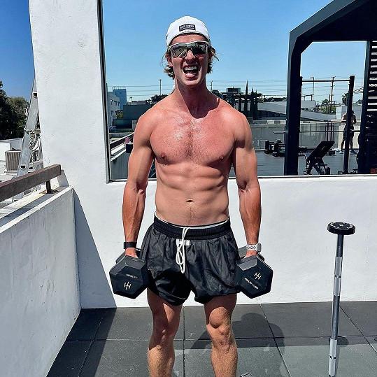 Patrick Schwarzenegger nedávno ukázal svou formu.