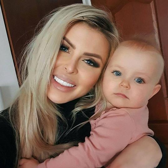 S dcerou Lili se odstěhovala Ceterová do svého bratislavského bytu.