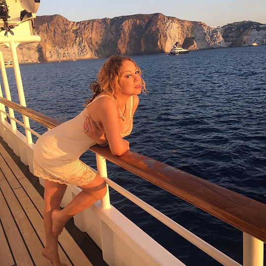 Mariah Carey okukuje pobřeží Itálie.