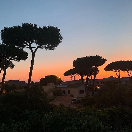 Teď se romantickým západem slunce v Itálii pochlubil i Jakub Prachař.
