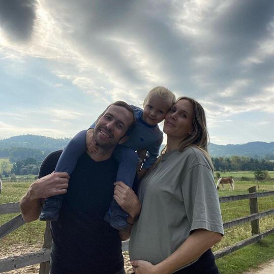 Radek Štěpánek a Nicole Vaidišová se brzy stanou dvojnásobnými rodiči.