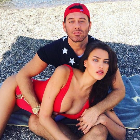 Irina Shayk provokuje svého přítele odvážným snímkem se svým fotografem.