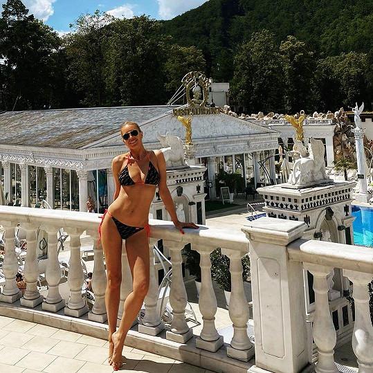 Simona Krainová si užívá pohodu v lázních.