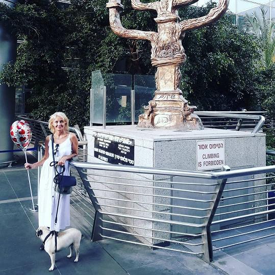 Takhle Veronika Žilková vítala dceru a vnoučata v Izraeli.