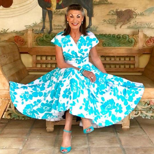 Nikki Redcliffe miluje módu inspirovanou 50. lety minulého století.