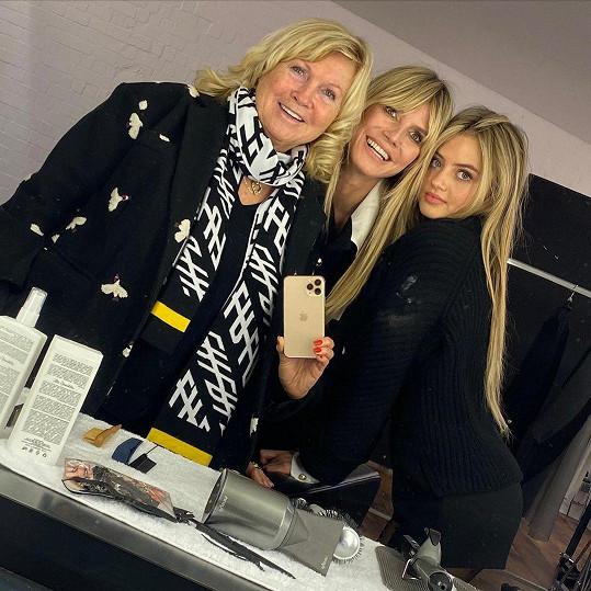 Heidi Klum ukázala maminku Ernu a dceru Helenu.